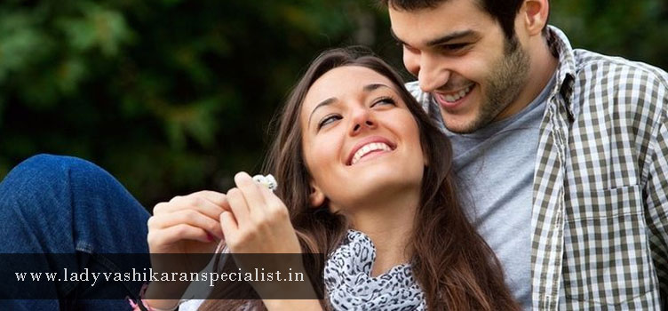 Girlfriend-Vashikaran-Specialist